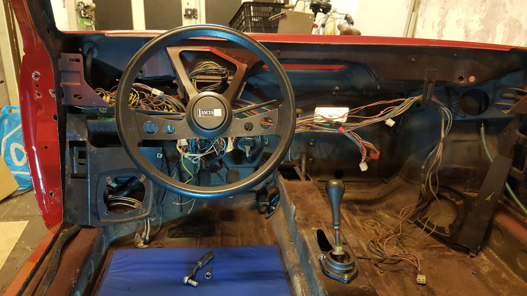 Lancia Montecarlo cockpit