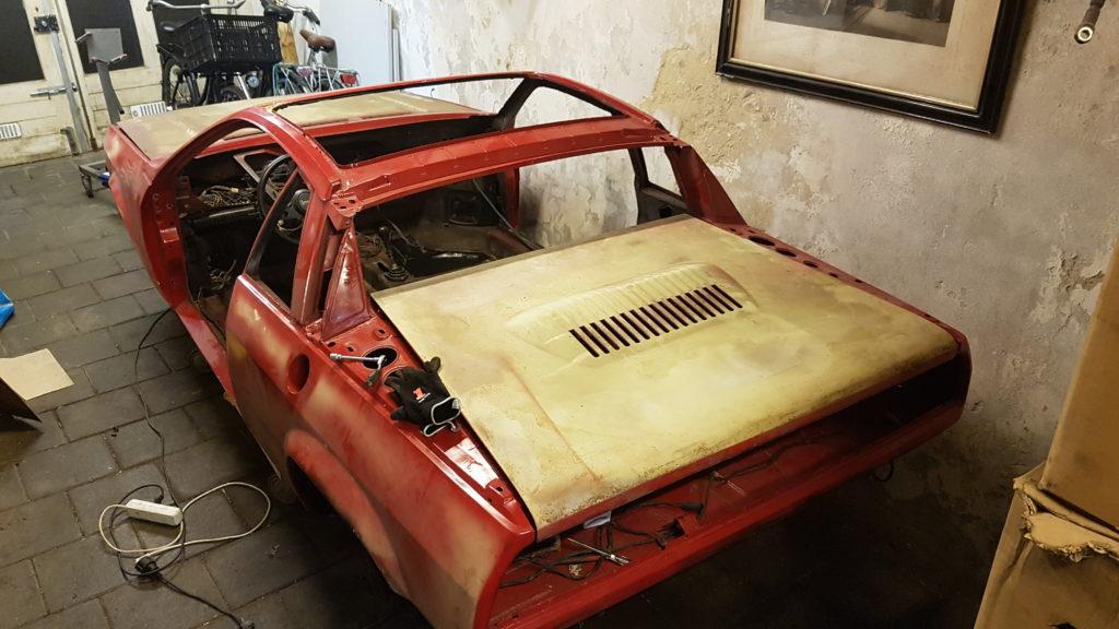 Lancia Montecarlo Motorklep gemonteerd
