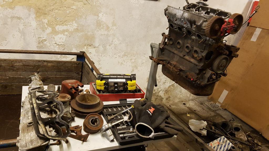 Lancia Montecarlo Motorbok