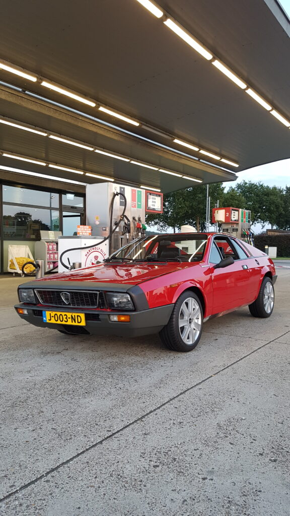 Lancia Montecarlo klaar voor de trip